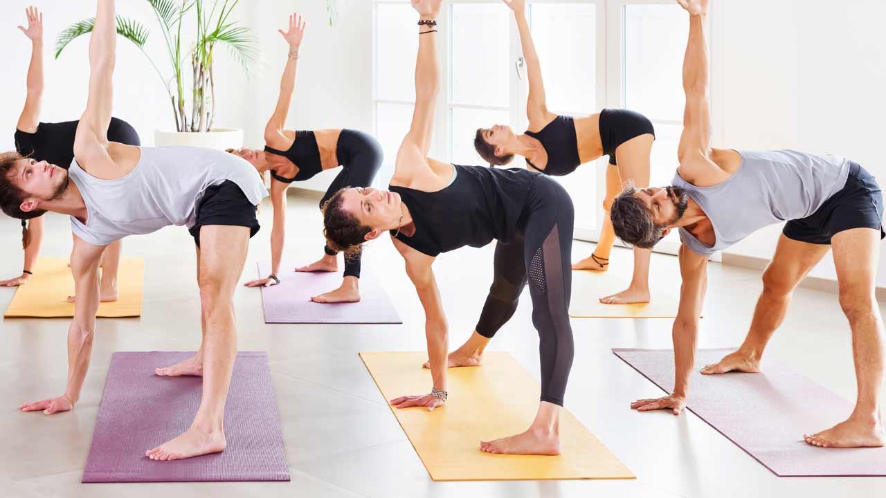 Formación Bonificada · Yoga & Mar | Yoga para Empresas